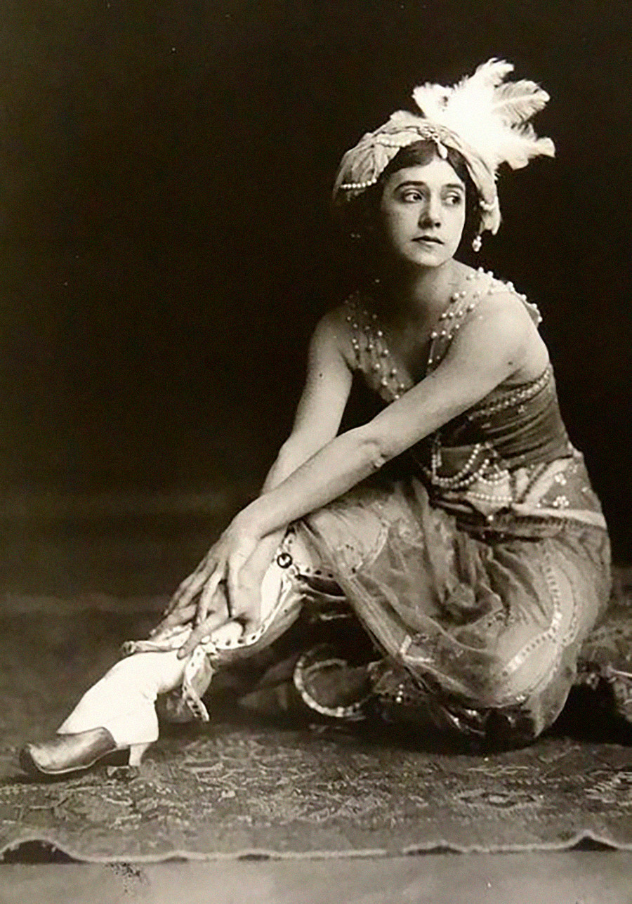 Tamara Karsavina como Zobeida em 'Scheherazade', 1911