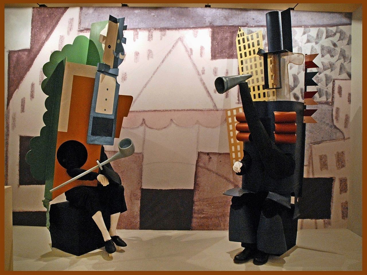 Figurino criado por Picasso para  'Desfile'