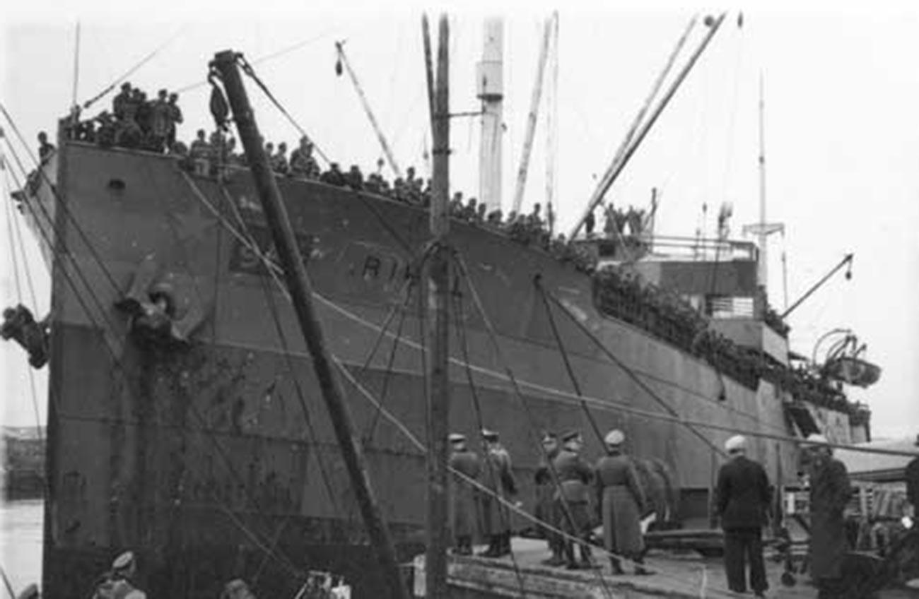 Норвешки транспортни брод Rigel у служби немачке армије.