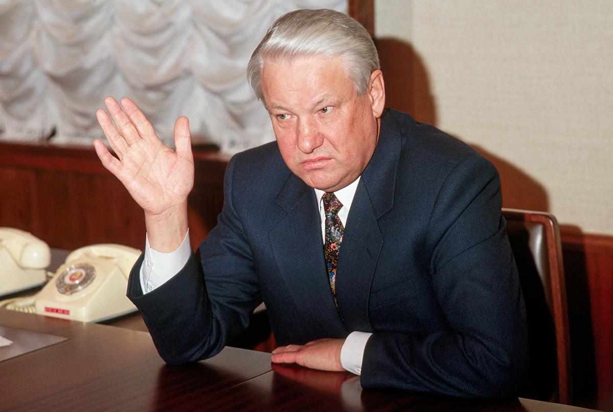 Boris Eltsine donne une interview