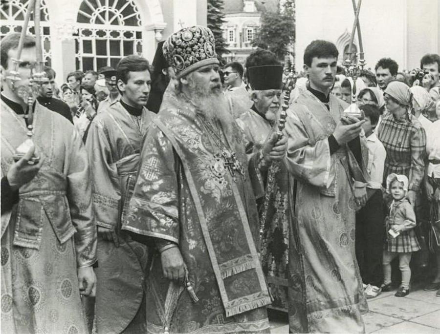 Le patriarche Alexis II de Moscou dans la laure de la Trinité-Saint-Serge (75 km au nord-est de la capitale russe)