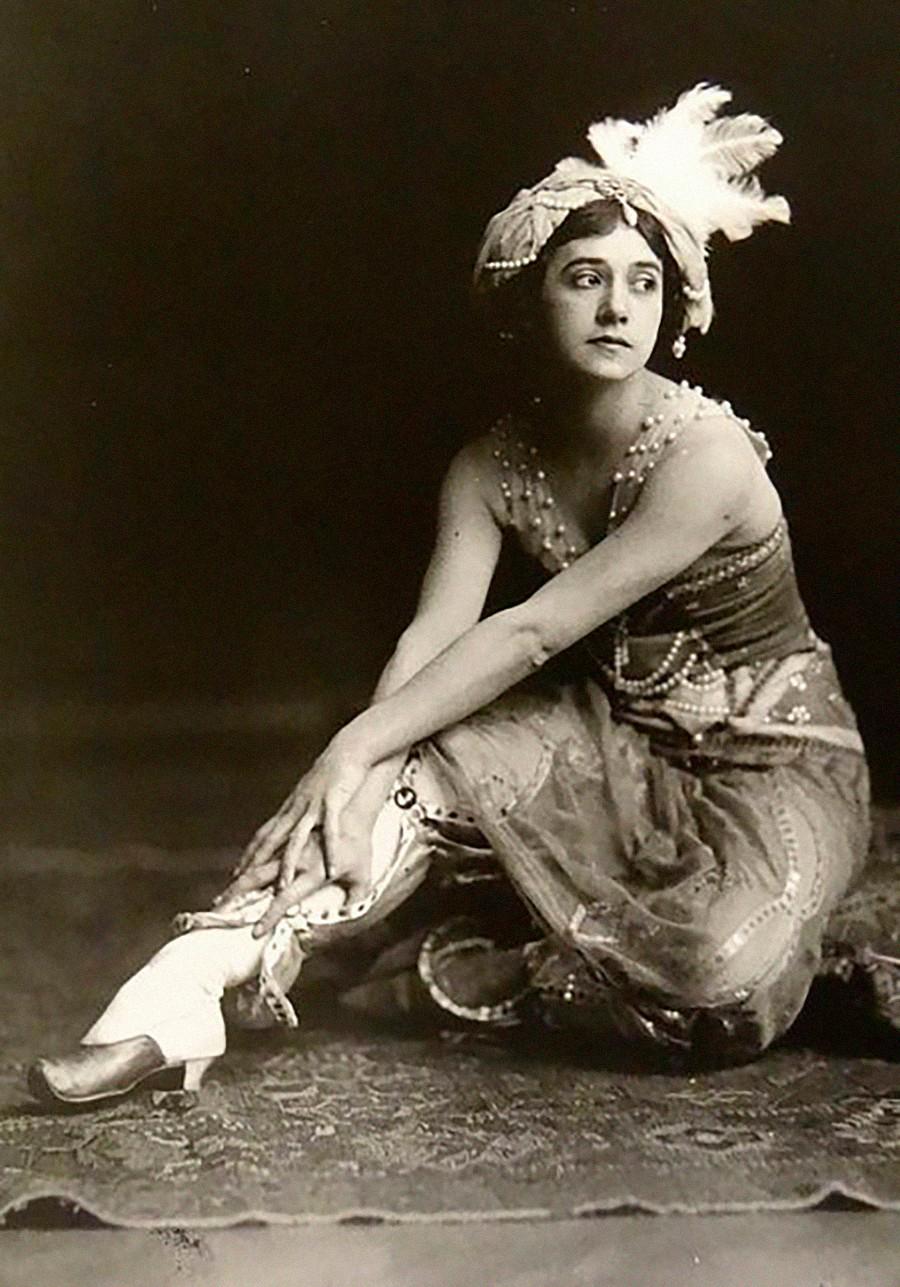 Tamara Karsavina incarnant Zobeïde dans le ballet Schéhérazade, 1911