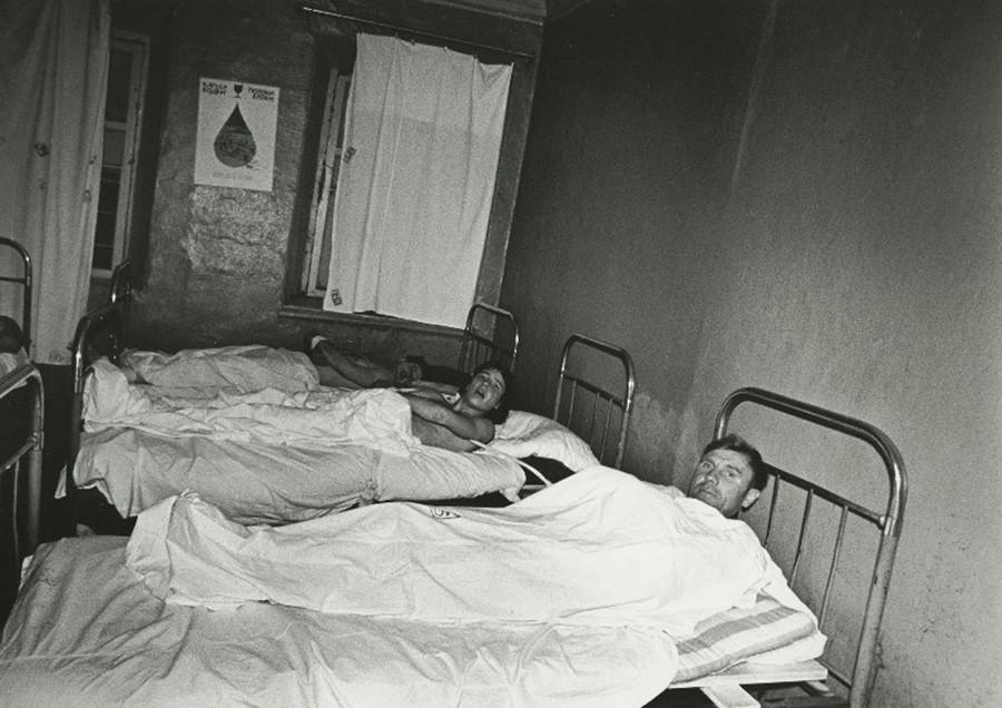 チェレポヴェツ市のの酔っ払い収容施設にて