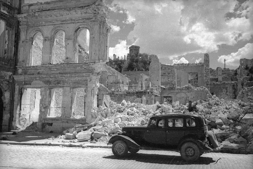 Sewastopol in Trümmern, 1944.