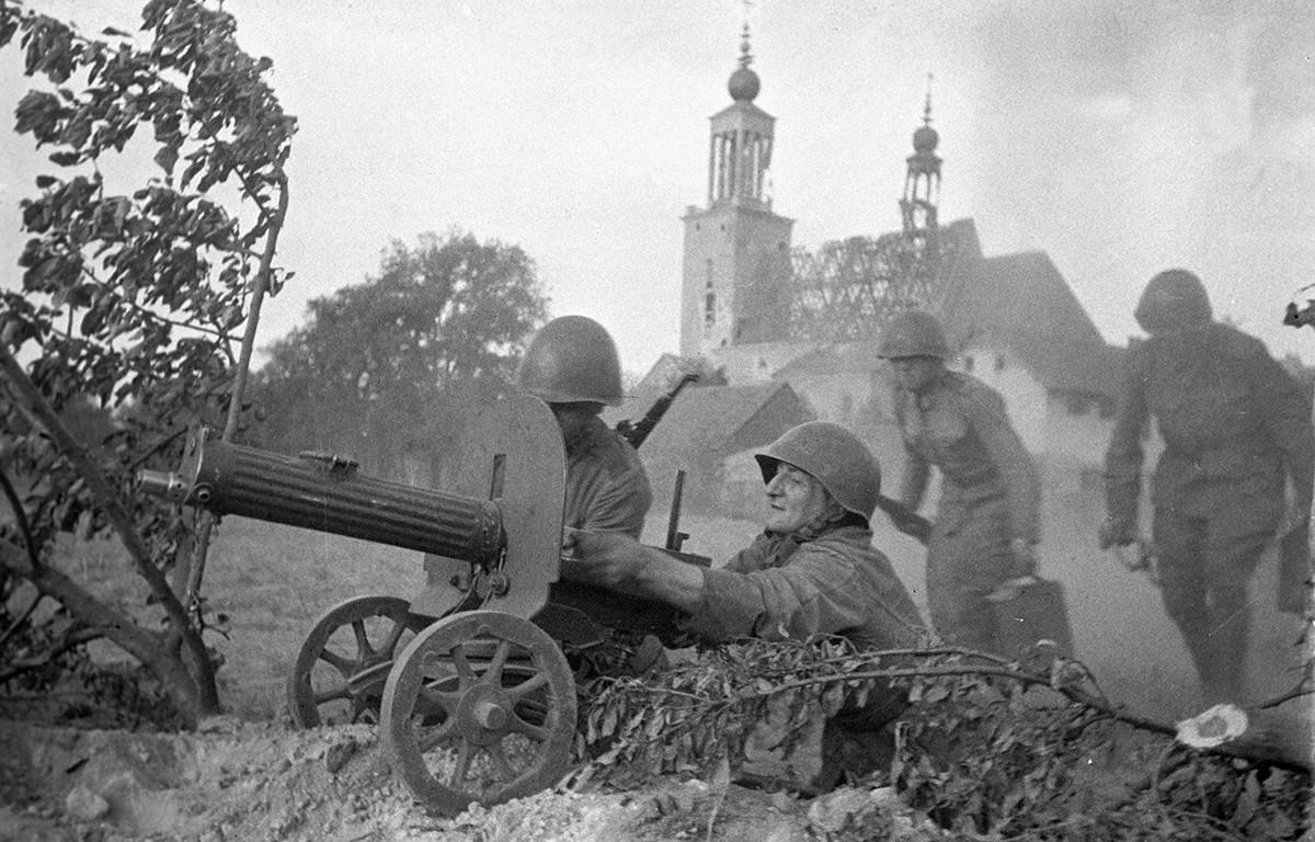 Des mitrailleurs combattant pour Varsovie.