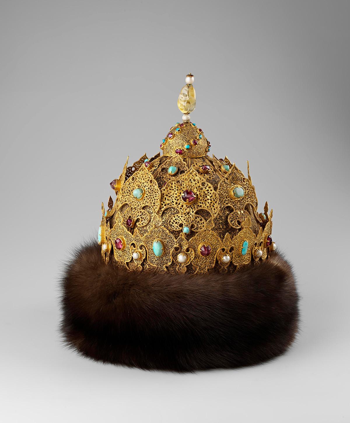 Bonnet de Kazan, 1553-1558. Appartenait au tsar Ivan le Terrible