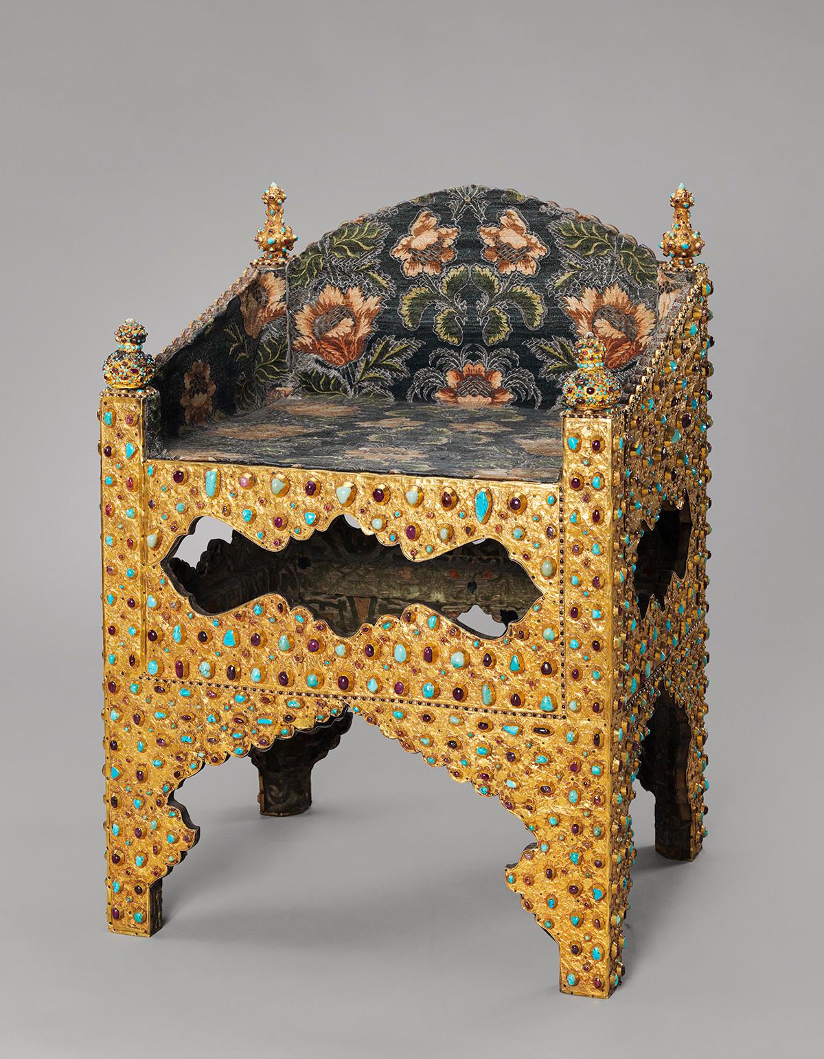 Trône, fin XVIe - début XVIIe siècle. Don du cinquième shah safavide de l'Iran Abbas Ier le Grand au tsar Boris Godounov, en 1604