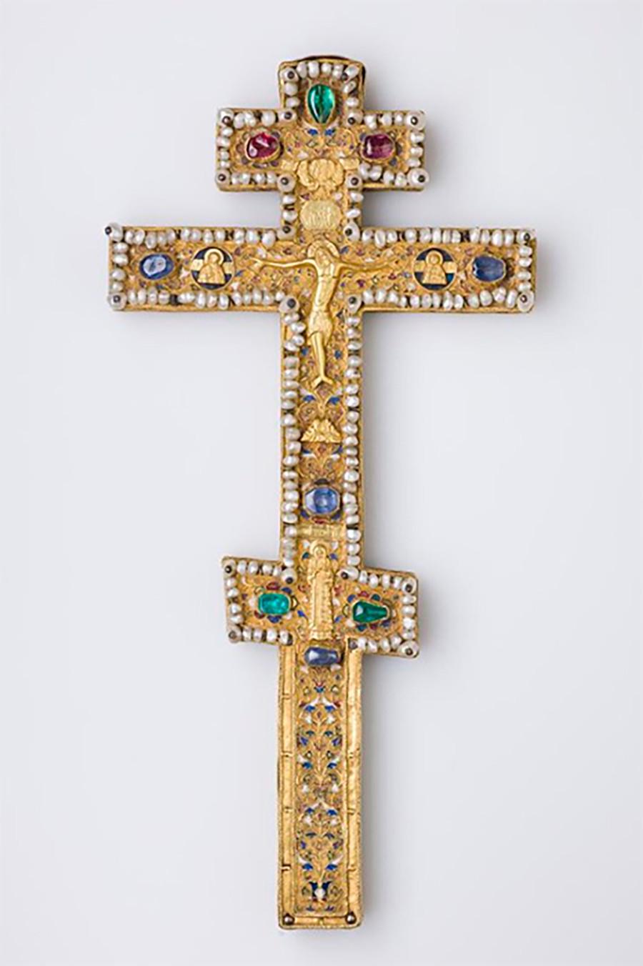 Croix d'autel, seconde moitié du XVIIe siècle. Contribution du tsar Boris Godounov au monastère Tchoudov (détruit en 1932), en 1599