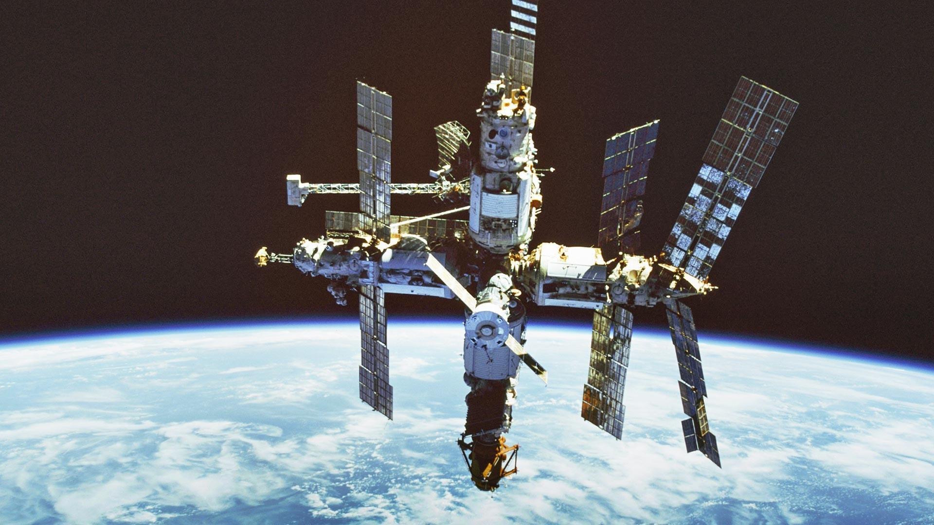 Vesoljska postaja Mir (v orbiti od 1986 do 2001)