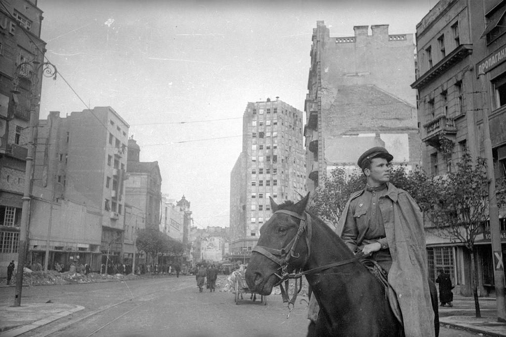 ベオグラードのソビエト軍騎兵