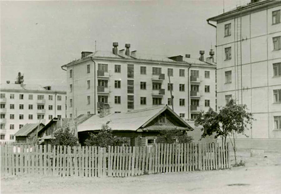 Bâtiments anciens et modernes à Tcherepovets