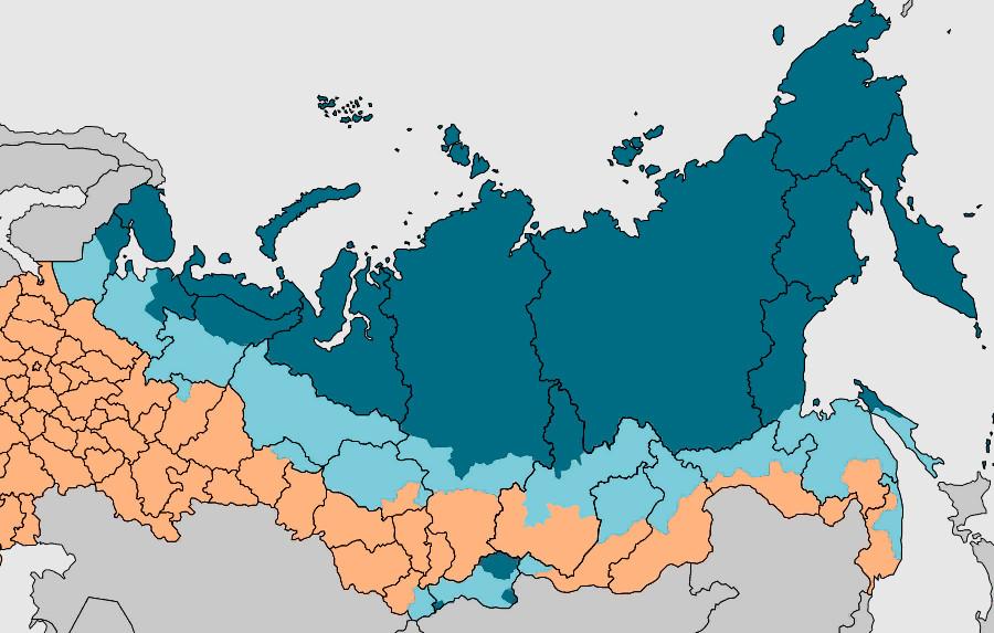 Синим цветов выделены территории Крайнего Севера, а голубым - приравненные к Крайнему Северу районы.