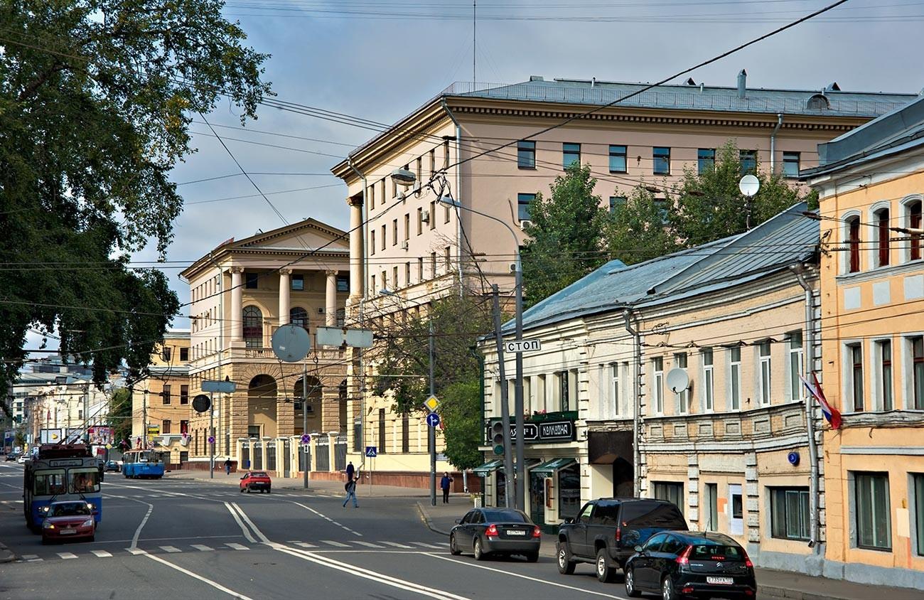 Ulica Petrovka v Moskvi