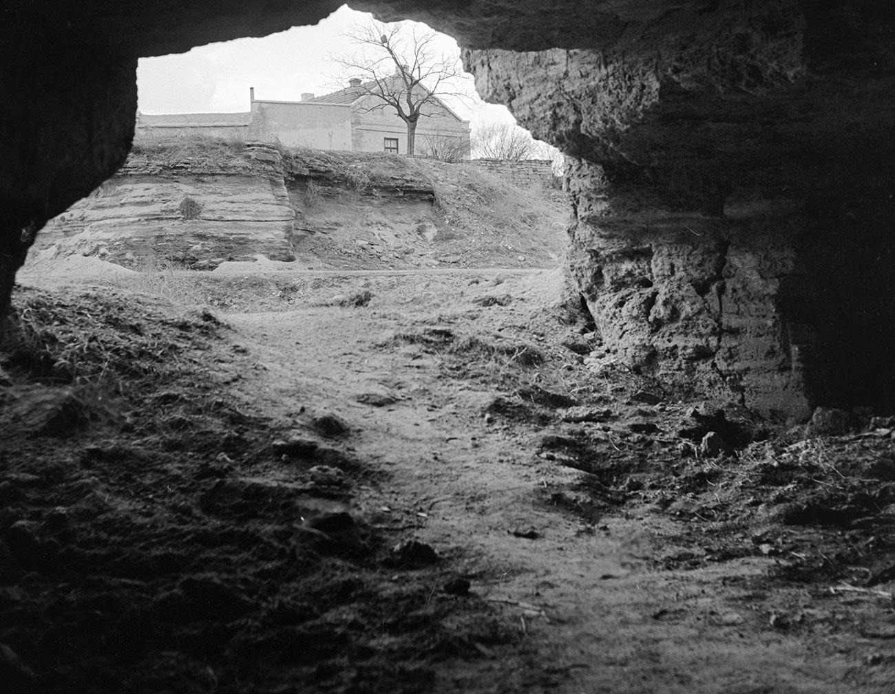 Pintu keluar terowongan bawah tanah di Odessa.