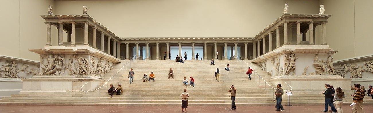 Pergamonski oltar v Pergamonskem muzeju v Berlinu