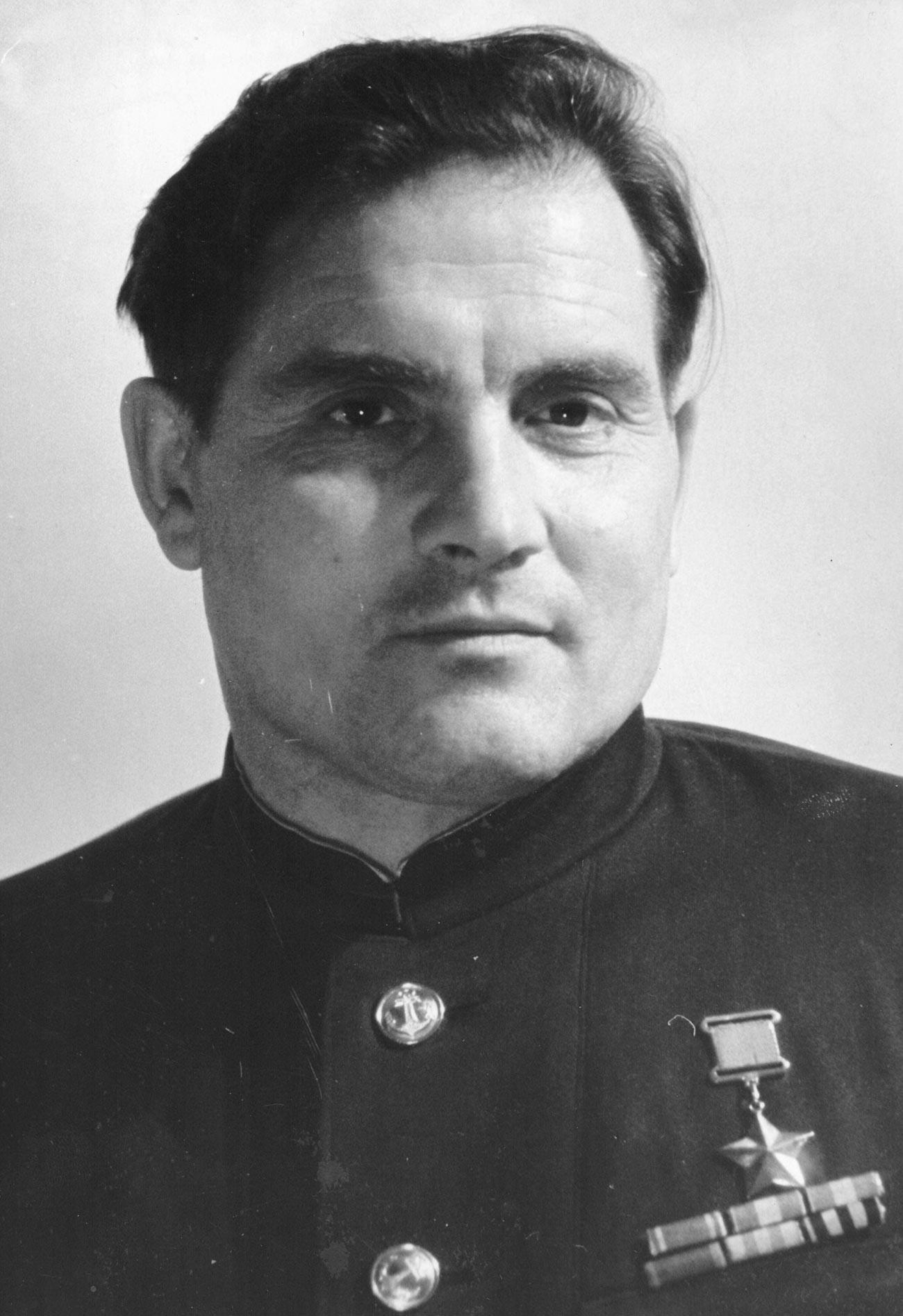 Герой Советского Союза Михаил Петрович Девятаев.