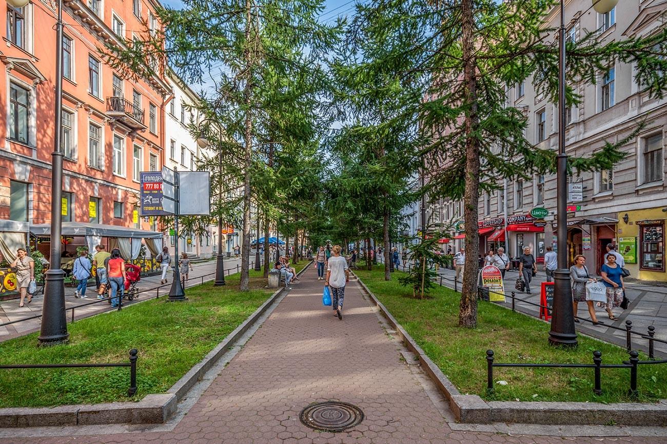 Liniya No. 6—7 di Pulau Vasilievsky, Sankt Peterburg
