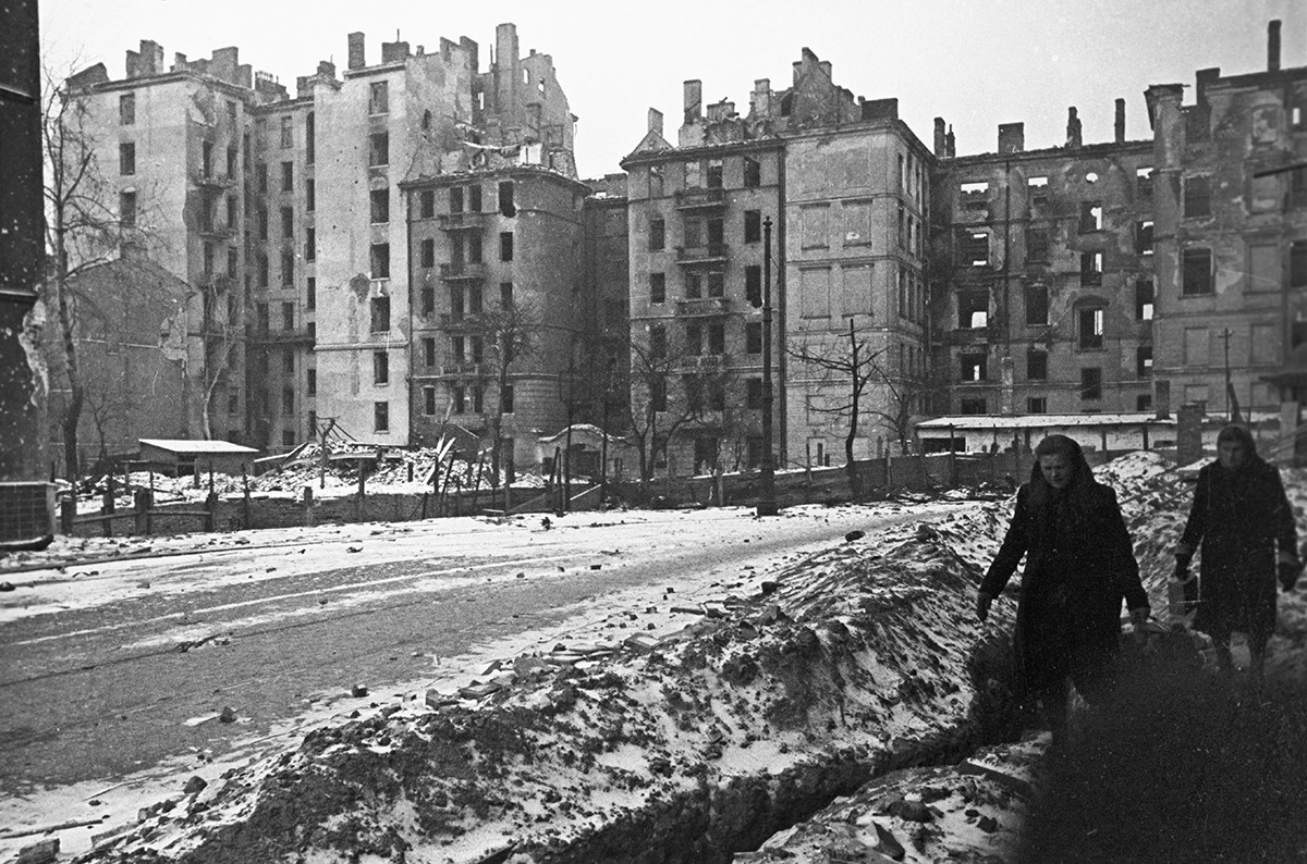 破壊されたワルシャワの建物