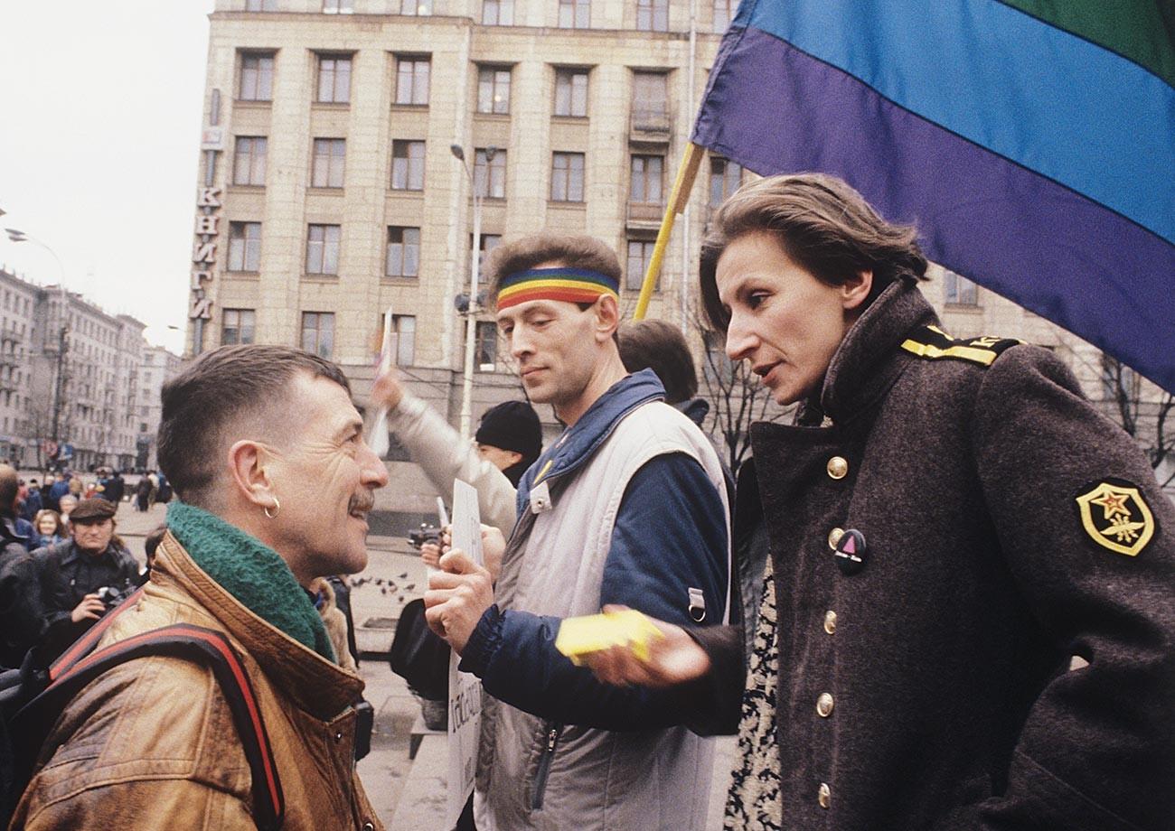 ロシアのLGBTの活動家エヴゲニア・デブリャンスカヤ