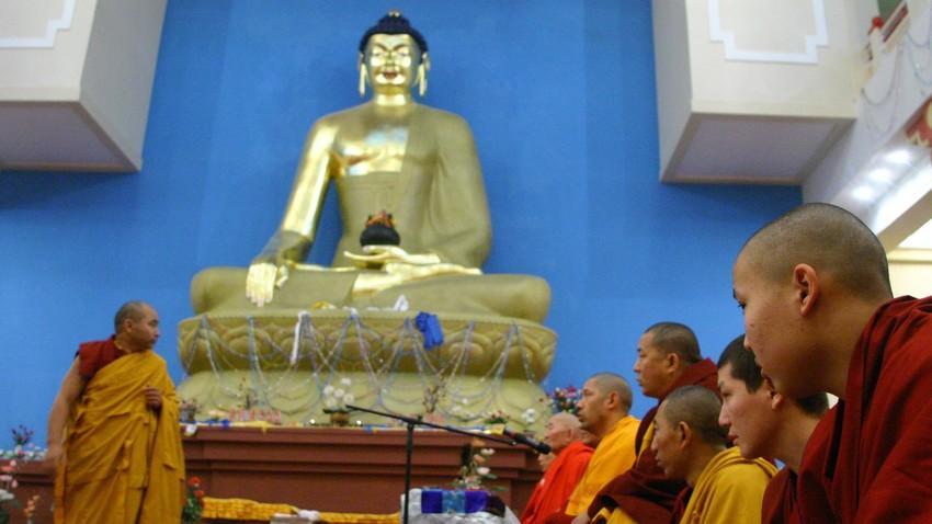 Največji budistični tempelj v Evropi. Elista, Kalmikija