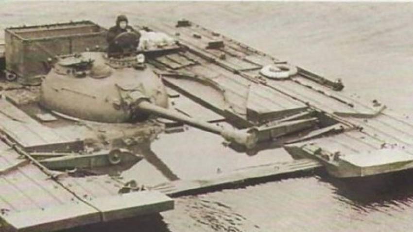 Тенкот Т-54Б со ПСТ