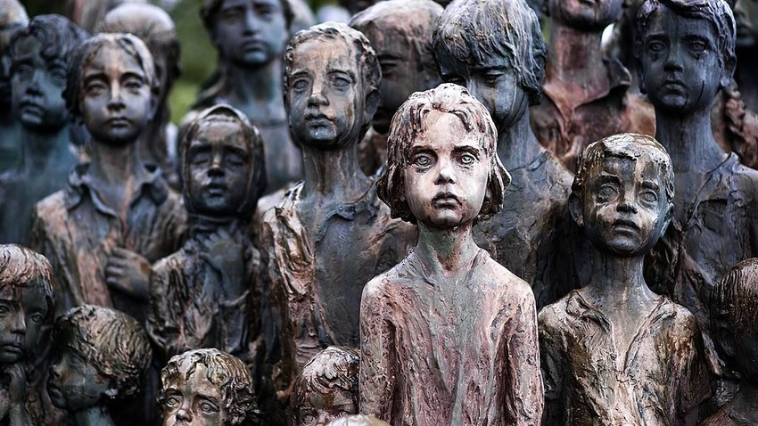 Monumento en honor a los niños víctimas de la guerra.