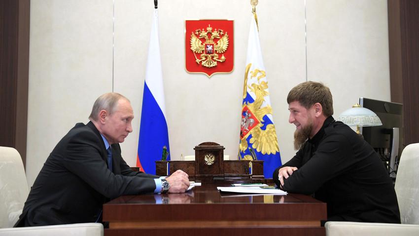 Presiden Rusia Vladimir Putin dan Pemimpin Republik Chechnya Ramzan Kadyrov