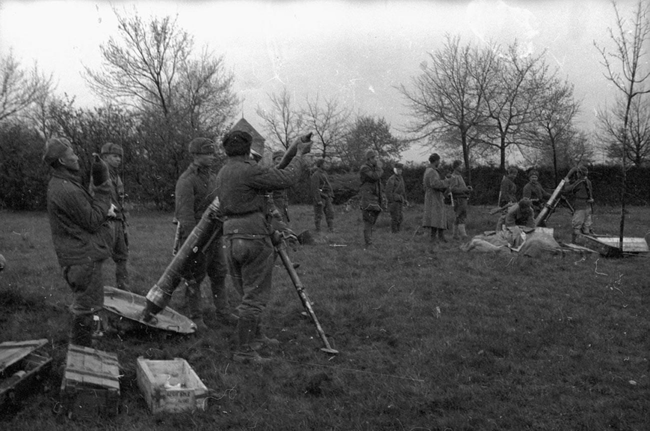 Rassemblement de soldats soviétiques près de Vienne
