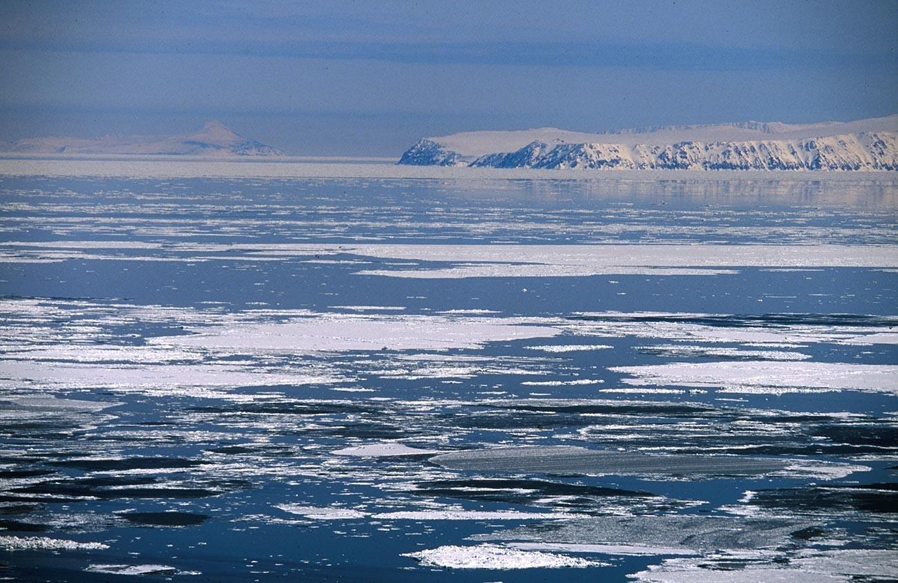 Ilhas Diomedes no estreito de  Bering