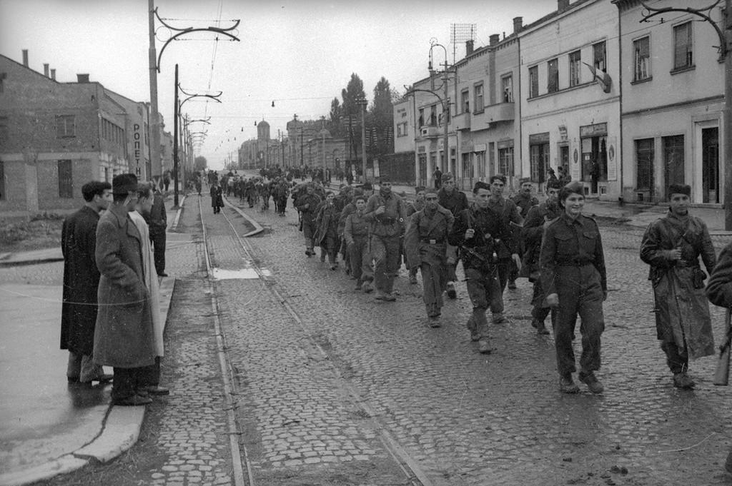 L'armée de Josip Broz Tito entre dans la ville,