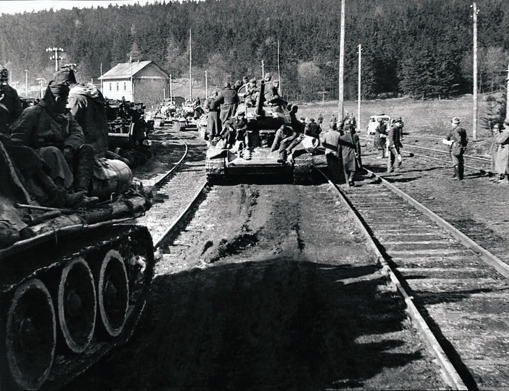 Der Marsch der 63. Garde-Panzerbrigade von Berlin nach Prag.