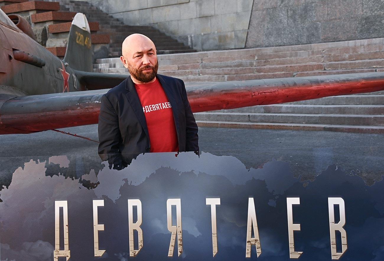 """Рускиот режисер Тимур Бекмамбетов на премиерата на филмот """"Девјатаев"""" (или """"Фау-2: Бегство од пеколот"""") во киното """"Поклонка"""" во Музејот на победата во Москва."""