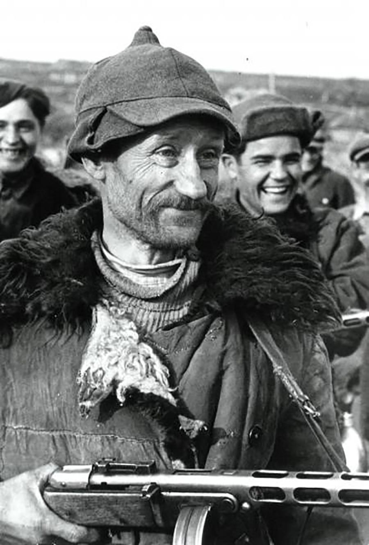 Kouzma Zakharov, partisan soviétique