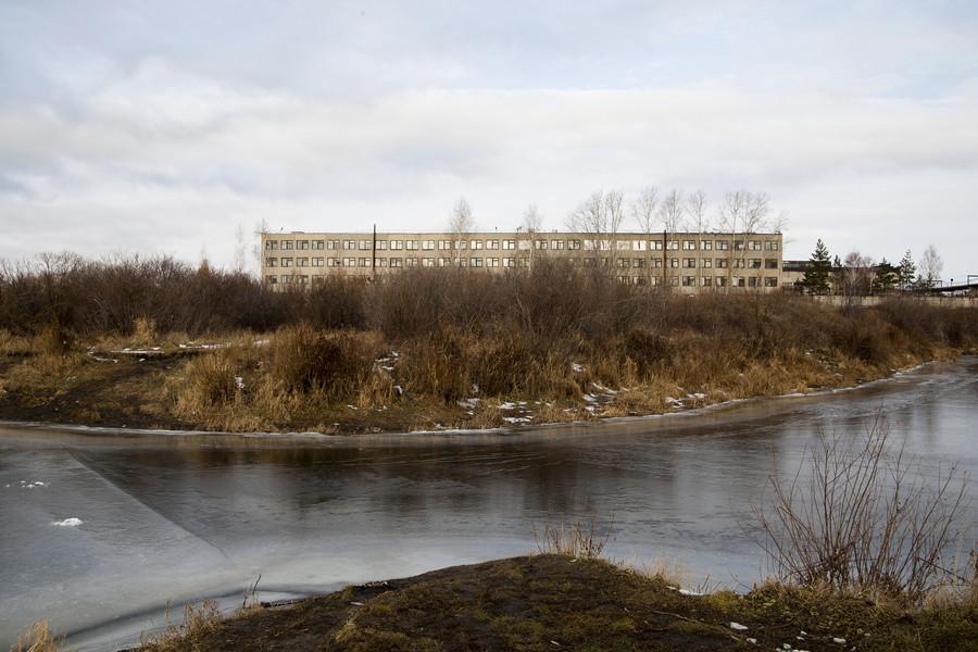 Pendant la Seconde Guerre mondiale, la plupart des usines de la partie européenne de l'Union soviétique ont été déplacées dans l'Oural.