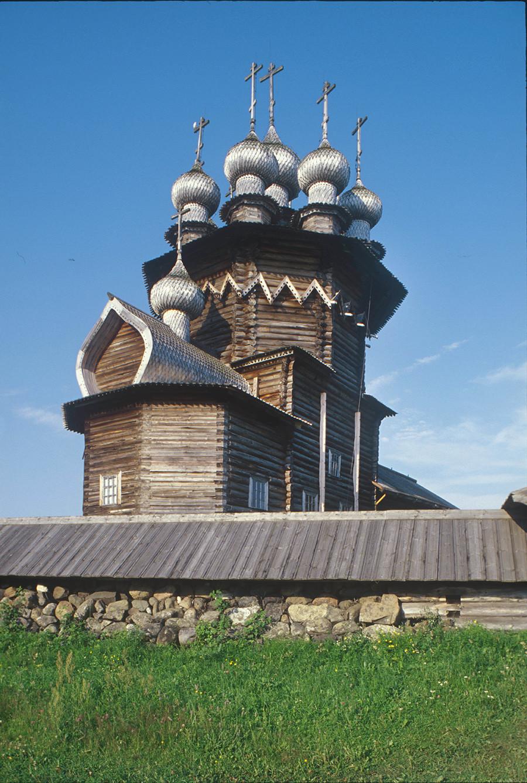 Iglesia de la Intercesión, vista noreste. 13 de julio de 2007
