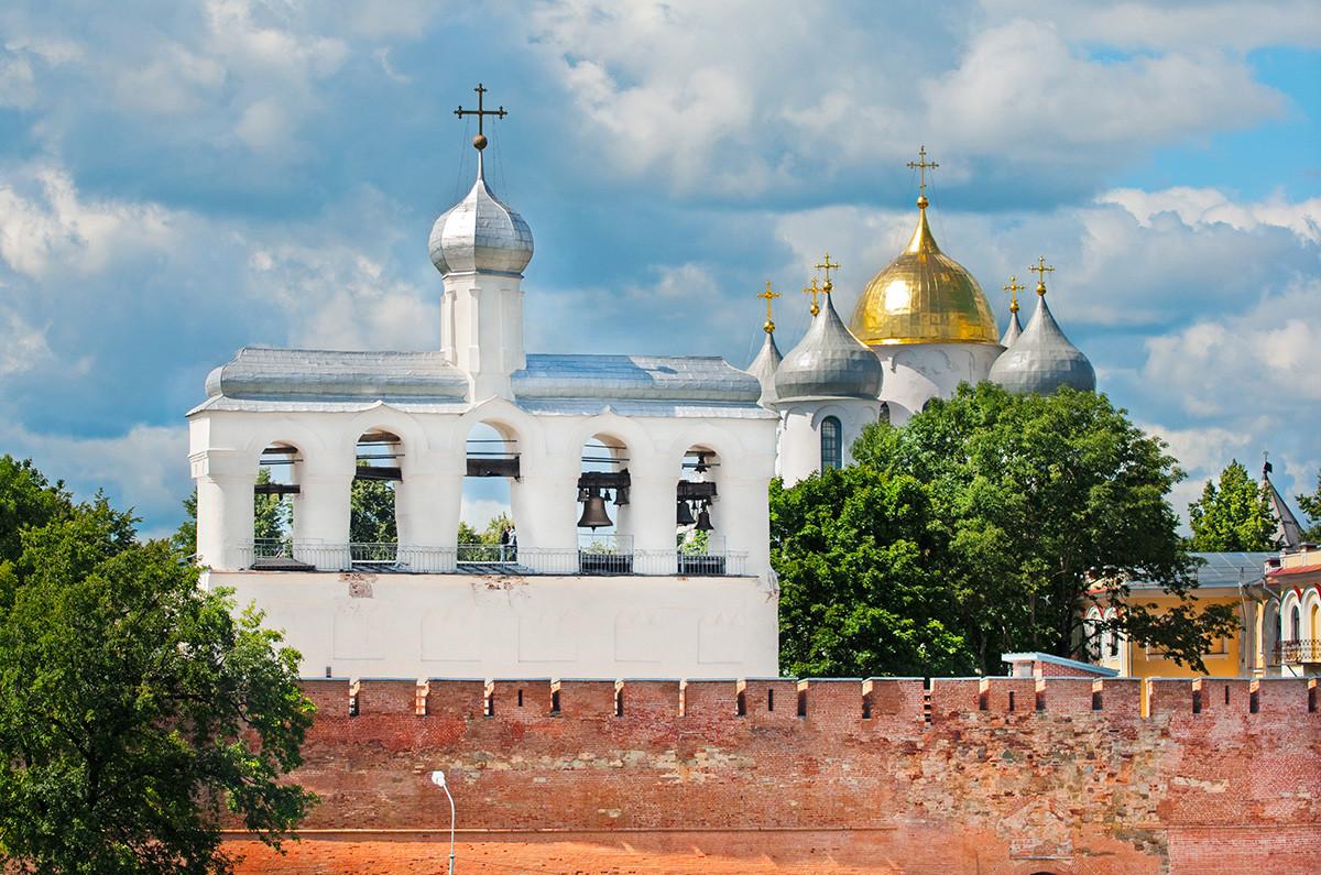 Der Glockenturm in Nowgorod.