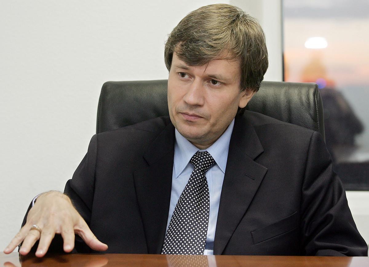 Grigorij Grabovoj nel suo ufficio nell'Hotel Zvezdnaja a Mosca