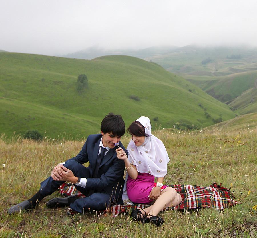 Свадьба в окрестностях поселка Кубачи.