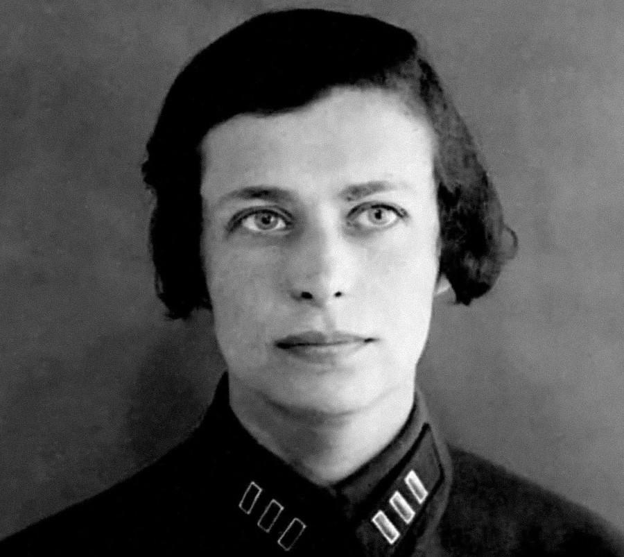 Elena Ferrari / Olga Golubowskaja-Golubewa (1899-1938), Dichterin und Geheimdienstoffizierin.