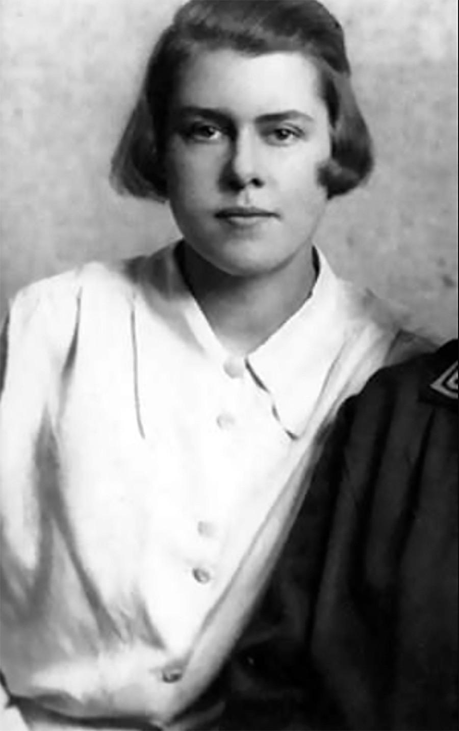Melita Norwood (1912-2005) - britische Beamtin und Spionin für KGB. 1935.