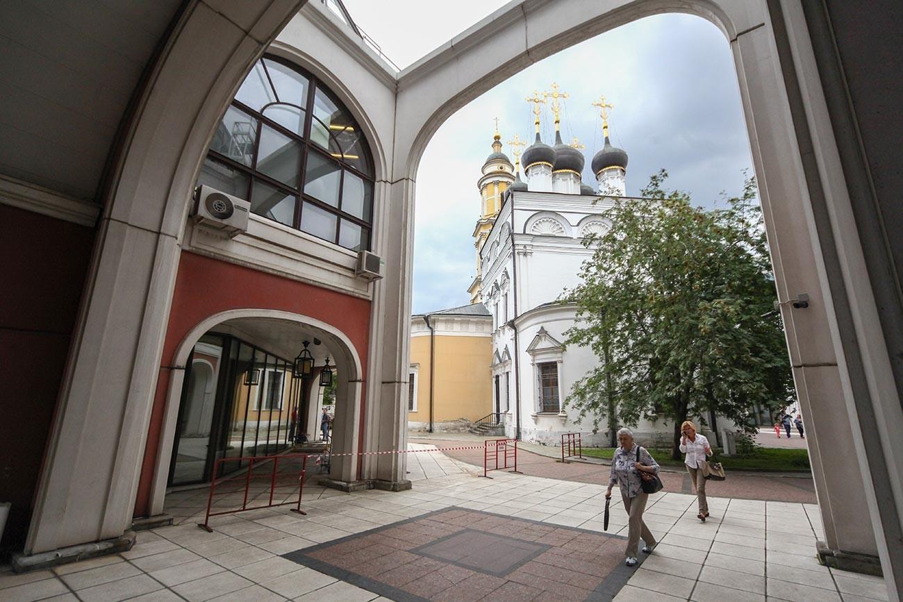 De binnenplaats van de galerie