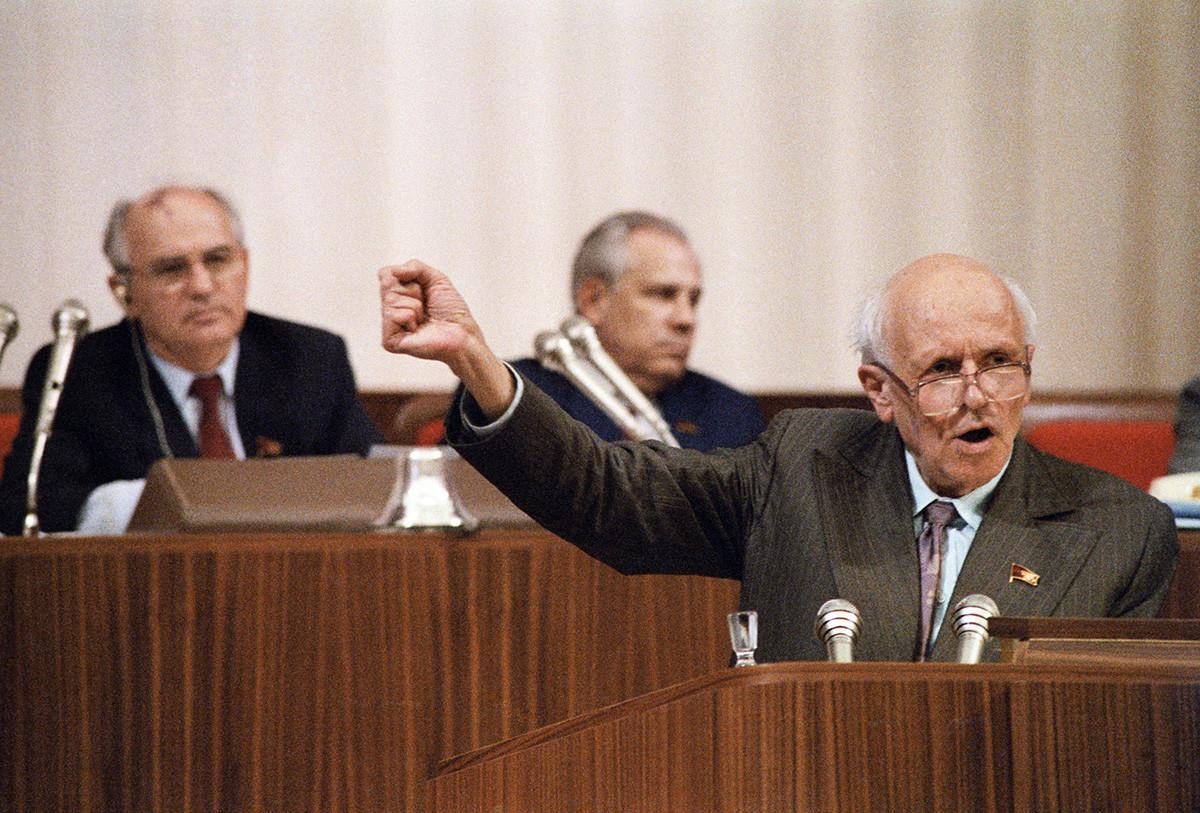 Депутат Андрей Сахаров на первом съезде народных депутатов СССР, 1989 год.