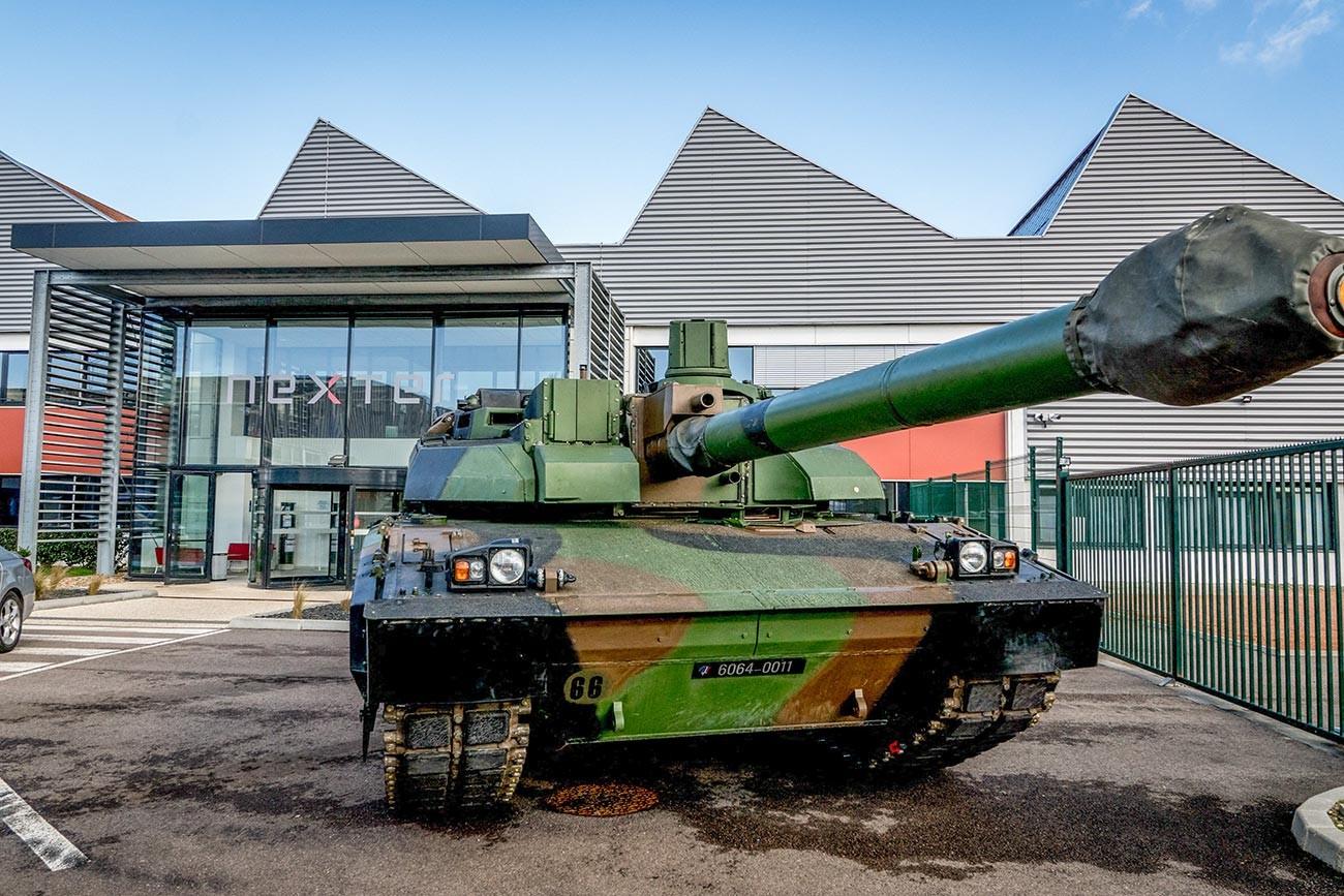 Francoski sodobni bojni tank Leclerc