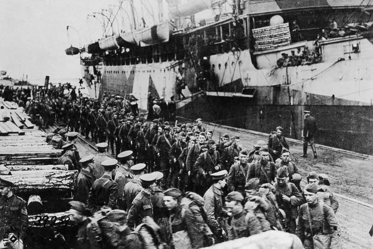 Amerikanische Truppen in Archangelsk, 1919.