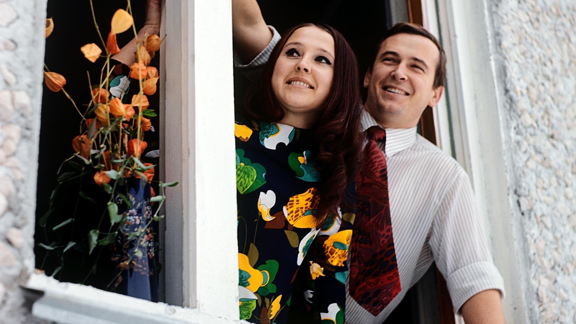 Семья Наумовых в новой квартире.