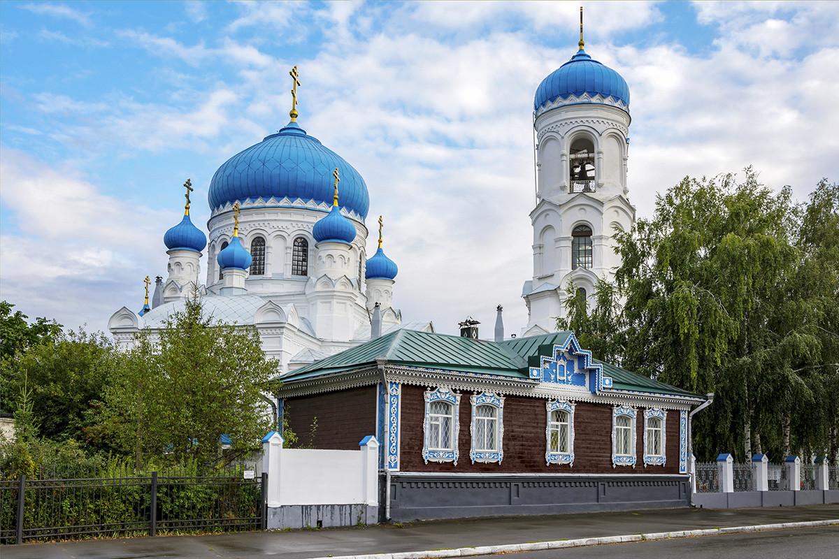 Cathédrale de l'Assomption à Biïsk, dans la région de l'Altaï