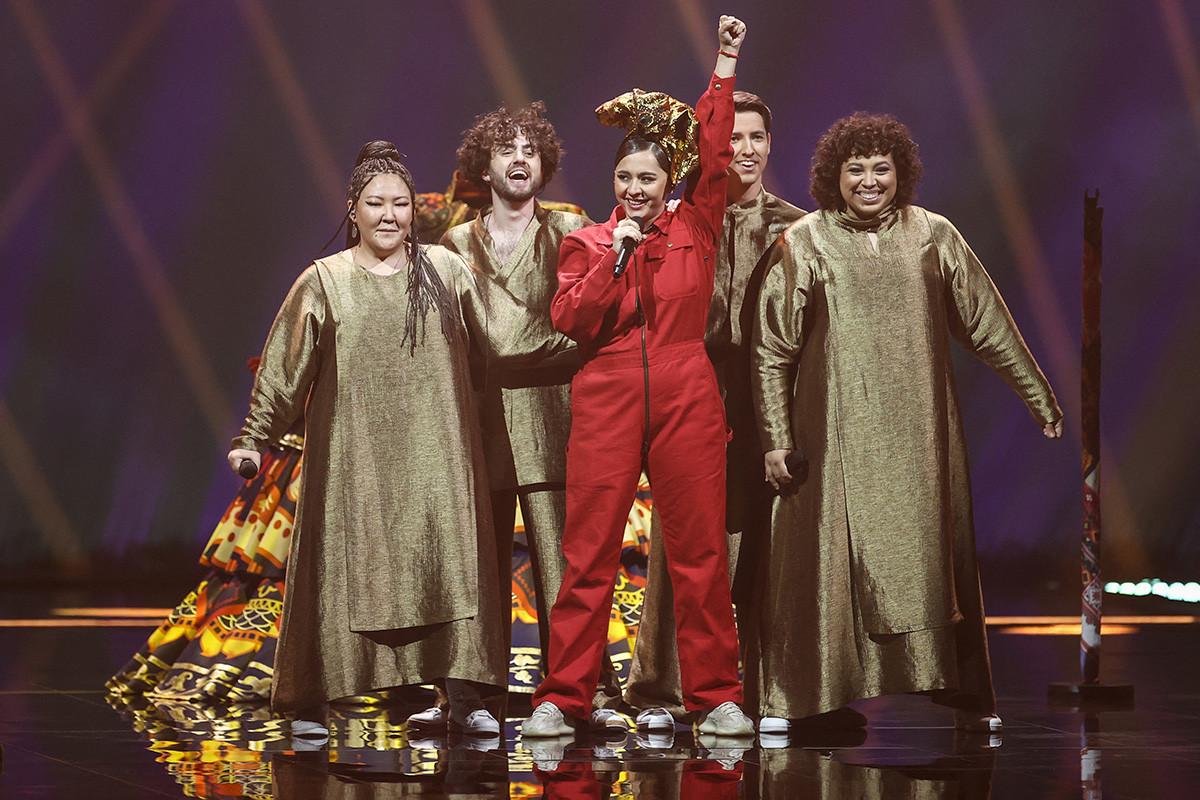 Maniža nastopa med prvim polfinalom 65. izbora za pesem Evrovizije 2021 v areni Ahoy v Rotterdamu, 18. maja 2021