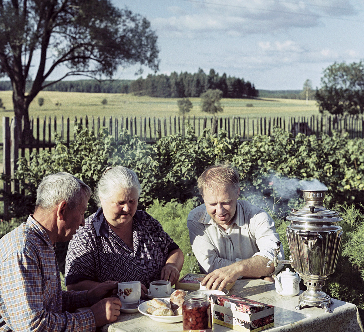 Circus artist Oleg Popov at the dacha with his parents