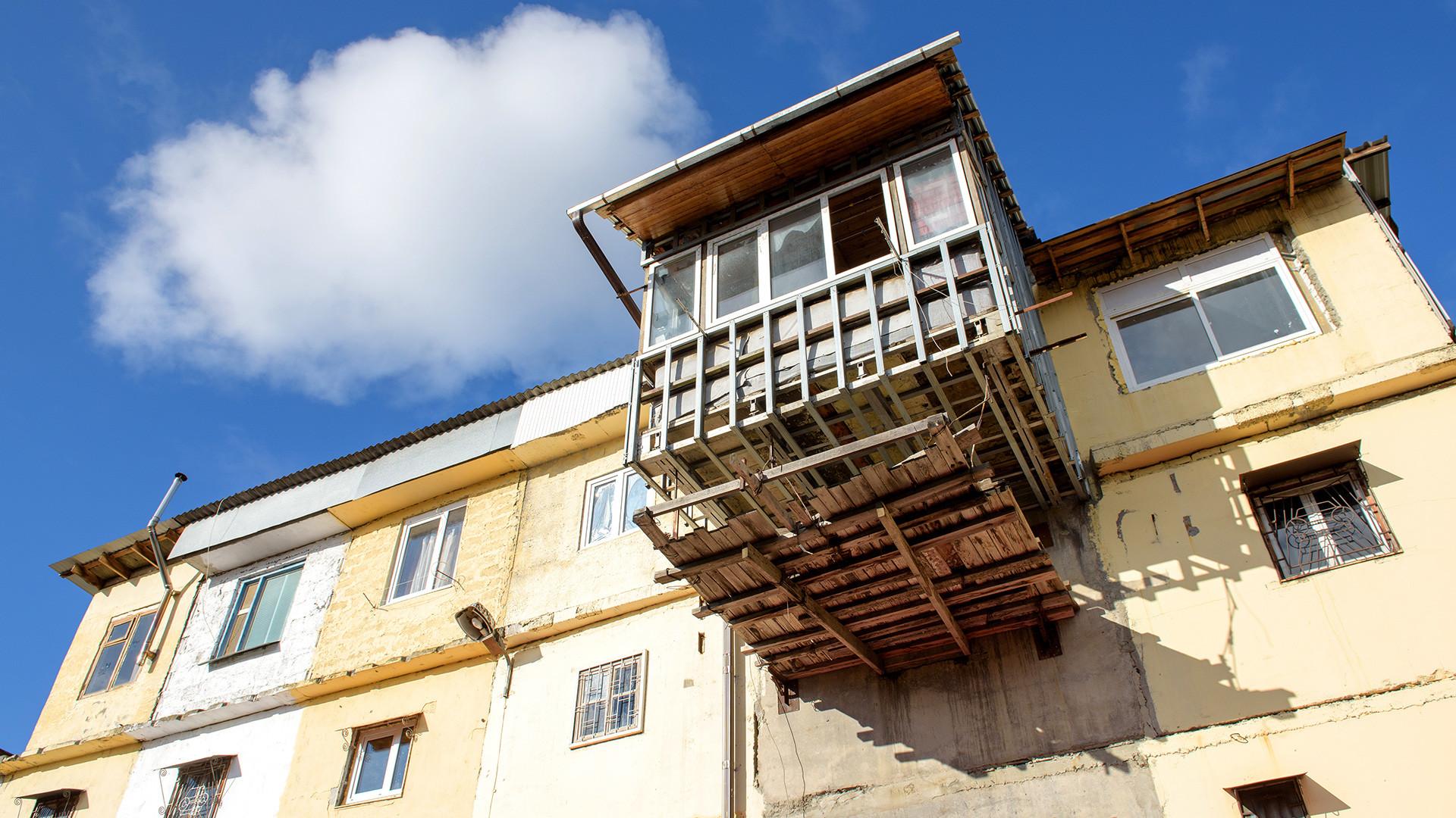 Жилые гаражи на улице Альпийской в Центральном районе Сочи.