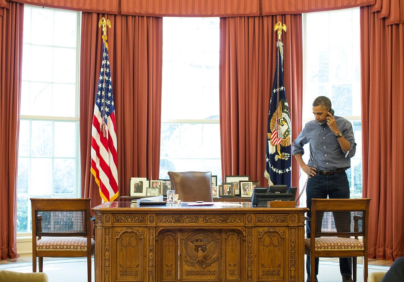 Барак Обама разговара со рускиот претседател Владимир Путин